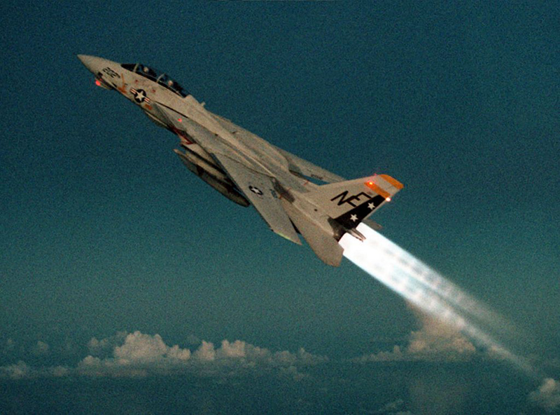 1024px-F-14A_VF-2_climbs_with_afterburners_1990