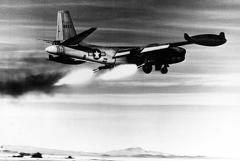 1024px-north_american_rb-45c_sn_48-033_rocket-assisted_take_off-_061023-f-1234s-014
